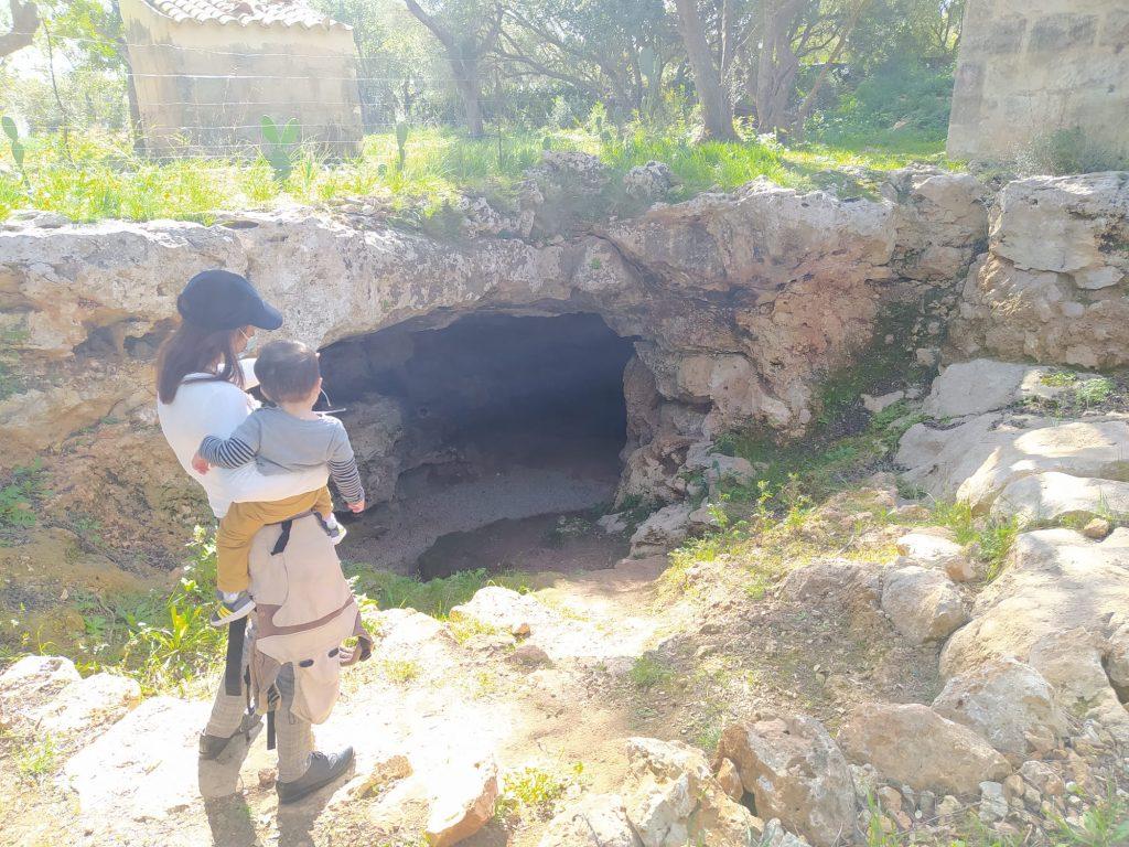 cova del camp del bisbe
