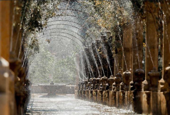 pergola jardines alfabia
